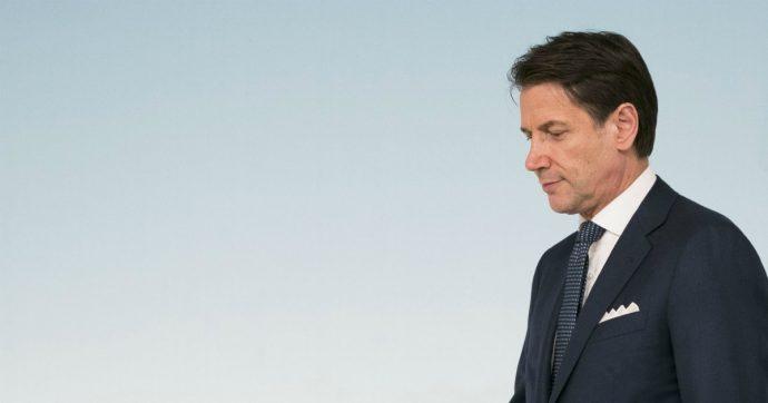 Crisi, Conte sente la Merkel e si prepara al G7 di Biarritz da dimissionario. Entro il 26 deve indicare il nome italiano per la Commissione