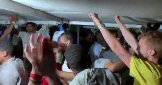 Open Arms, disposto lo sbarco: a bordo scoppia la gioia. Migranti e volontari cantano 'Bella ciao'