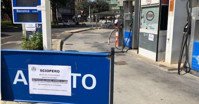 """Sardegna, sciopero dei benzinai prima del controesodo: """"Prendiamo 25 euro al giorno, siamo schiavi del caporalato petrolifero"""""""