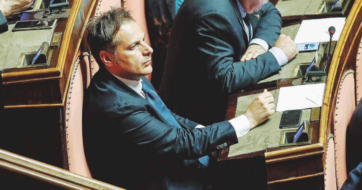 Armando Siri, il senatore della Lega ascoltato in giunta sul sequestro del pc: