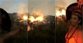 """Brasile, brucia la foresta amazzonica. L'appello disperato dell'indigena: """"Non staremo zitti"""""""