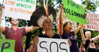"""Amazzonia in fiamme, scontro internazionale con il Brasile. Macron: """"Necessario parlarne al G7"""". Bolsonaro: """"Mentalità colonialista"""""""