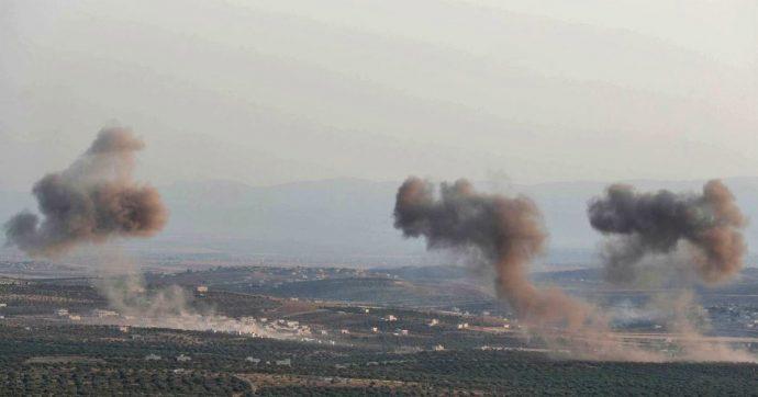 Siria, le forze di Damasco sfondano nell'ultima roccaforte Idlib. Tensione con la Turchia dopo un raid che ha colpito un convoglio di Ankara