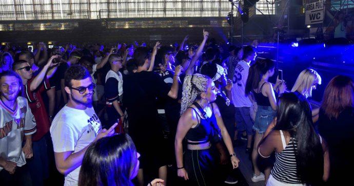 Spagna, discriminati in discoteca perché napoletani. Ma Gomorra non c'entra (o almeno non del tutto)