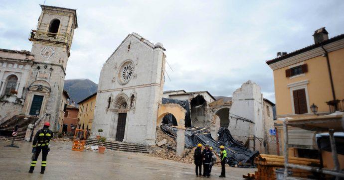 Terremoto Centro Italia, nella Basilica di Norcia i lavori vanno a rilento. E la pazienza è agli sgoccioli