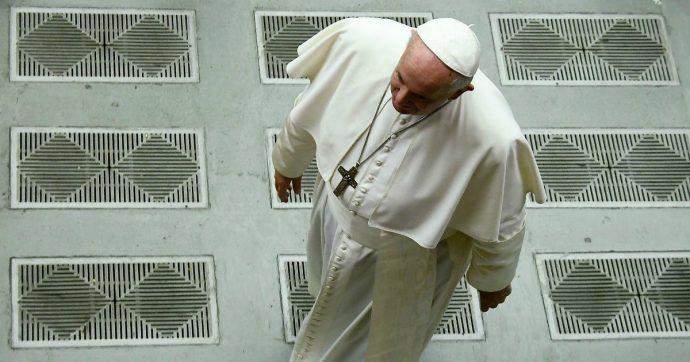 Papa Francesco è stato stoppato. E da oggi si ritrova più solo