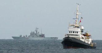 "Migranti, ong Lifeline ha soccorso 101 persone al largo della Libia. Mediterranea denuncia: ""Hanno mandato in tilt i nostri radar"""