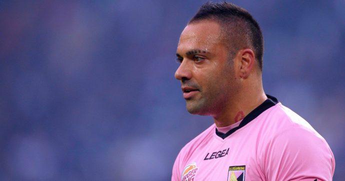 """Palermo, amichevole contro le """"vecchie glorie"""" rosanero: in campo c'è anche Fabrizio Miccoli. E il sindaco Leoluca Orlando non va allo stadio"""
