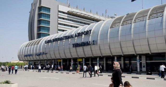 Egitto, paura sul volo Sharm-Napoli: charter atterra al Cairo per un guasto tecnico. A bordo 122 italiani, nessun ferito