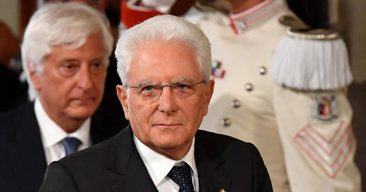"""Crisi di governo, Mattarella ottiene il rinvio del voto su Rousseau. A Conte darà una settimana per squadra e """"caso Di Maio"""""""