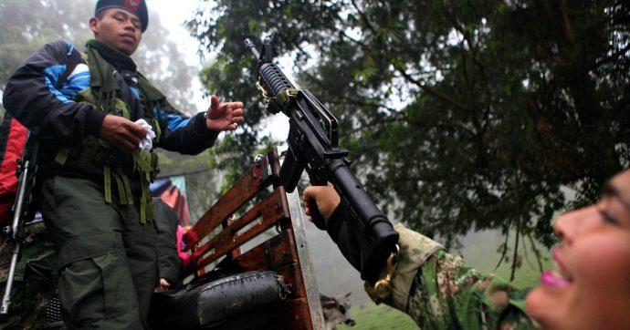 """Colombia, l'ex numero due delle Farc annuncia la ripresa della lotta armata: """"Siamo stati costretti a riprendere le nostre armi"""""""