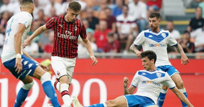 Serie A, il Milan batte il Brescia 1 a 0: Calhanoglu regala la prima vittoria a Giampaolo
