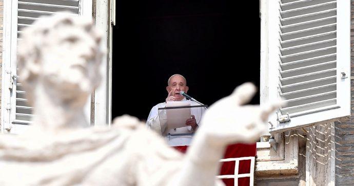 """Papa Francesco apre il Sinodo speciale sull'Amazzonia: """"Fuoco appiccato da interessi che distruggono non è quello del Vangelo"""""""