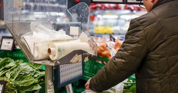 Spreco alimentare, ci sono supermercati che anche ora buttano cibo scaduto ma mangiabile. Possiamo fare qualcosa