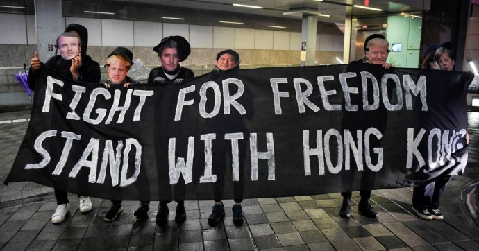 Hong Kong ritira la legge sulle estradizioni in Cina: era la prima richiesta degli attivisti pro-democrazia