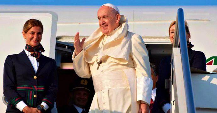 """Papa Francesco e le manovre degli ultraconservatori del cattolicesimo Usa: """"Per me è un onore se mi attaccano gli americani"""""""