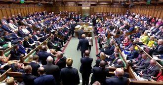 Brexit, il deputato Philip Lee lascia i Tory e va con i LibDem. Johnson perde la maggioranza