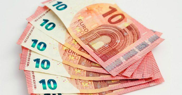 """Povertà, Eurostat: """"Un italiano su otto a rischio esclusione sociale anche se lavora"""""""