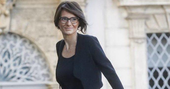 """Coronavirus, Locatelli: """"Scordiamoci campi estivi e oratori"""". La ministra Bonetti: """"No, i genitori devono tornare al lavoro"""""""