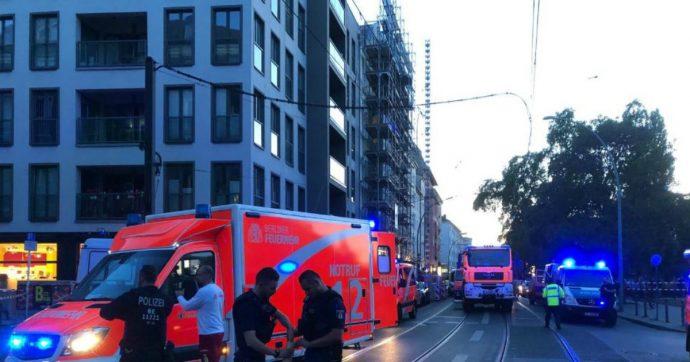 """Berlino, auto sulla folla in una via del centro: 4 morti. I vigili del fuoco: """"Incidente stradale"""""""