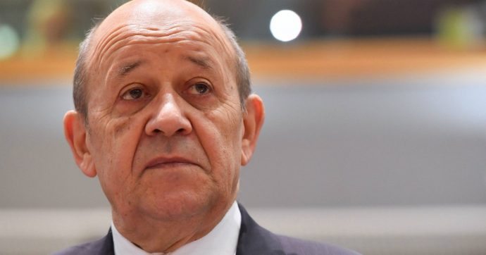 """Governo, Le Drian scrive a Di Maio: """"Ora relazioni più costruttive tra Italia e Francia"""". La replica: """"Voglio incontrarlo al più presto"""""""