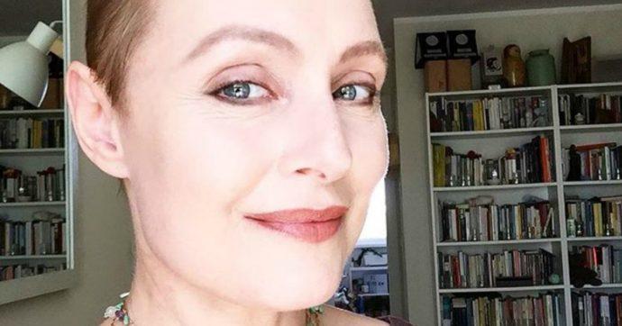 """Sabrina Paravicini: """"Ho sentito il mio seno sinistro come accartocciarsi e ho iniziato a stare male. Era 'diagnosi morte'"""""""