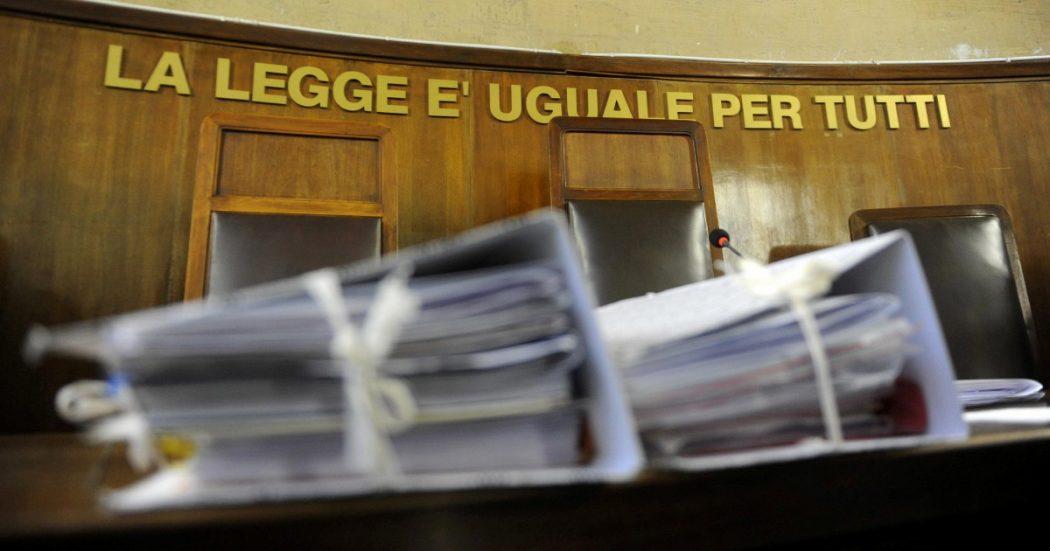 Sicilia, a Santa Caterina Villarmosa comune sotto inchiesta tra appalti, viaggi ed escort: 'Livello infimo di mercimonio della funzione pubblica'