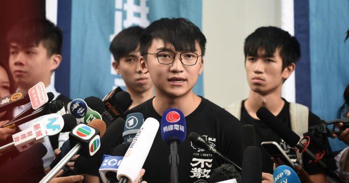Hong Kong, leader manifestanti Joshua Wong rilasciato e atteso a Berlino per la festa del quotidiano Bild