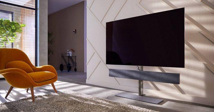 Philips ammoderna le vecchie lampadine a filamento e annuncia nuove TV e cuffie