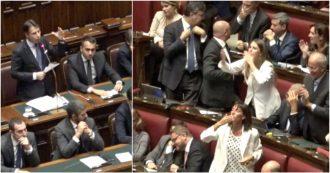 """Governo, Lega invoca elezioni e Conte contrattacca: """"Voto per poltrone?"""". Applausi Pd-M5s e 'bacioni' dem"""
