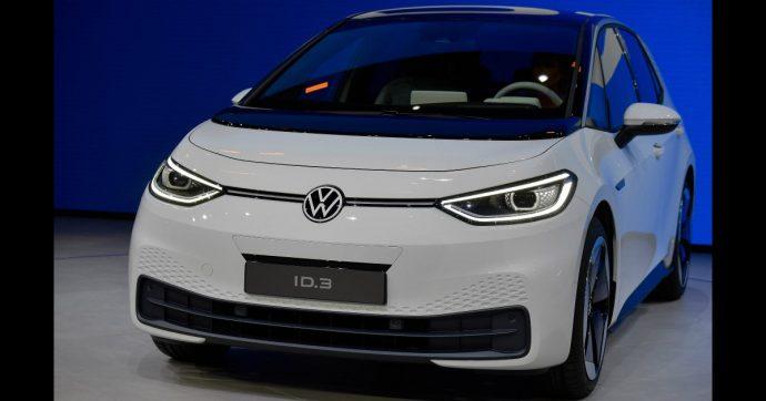 Volkswagen ID.3, la rivoluzione popolare a batteria. E spazio al nuovo logo Vw