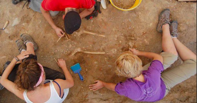 Altopascio, inaugurata la foresteria affacciata sugli scavi archeologici: un ponte ideale tra i pellegrini di oggi e di ieri della via Francigena