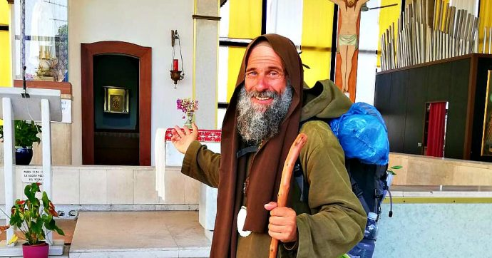 Strasburgo, storia di Biagio Conte: il frate laico che ha percorso più di mille km a piedi in 65 giorni per incontrare i vertici Europei