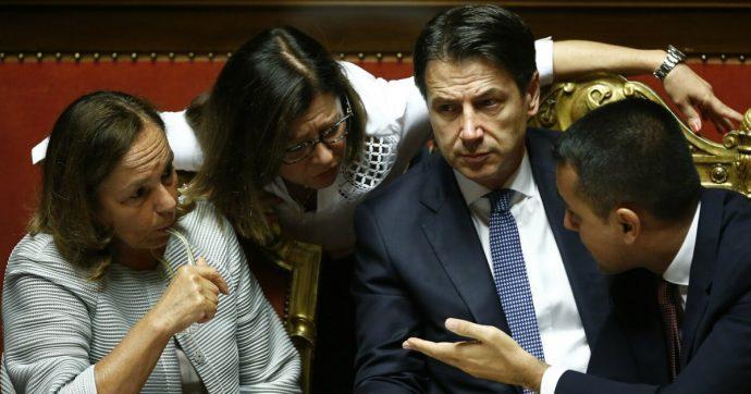 """Migranti, Palazzo Chigi dopo il vertice coi ministri: """"Sì a redistribuzione in Ue per chi è a bordo di Ocean Viking"""""""