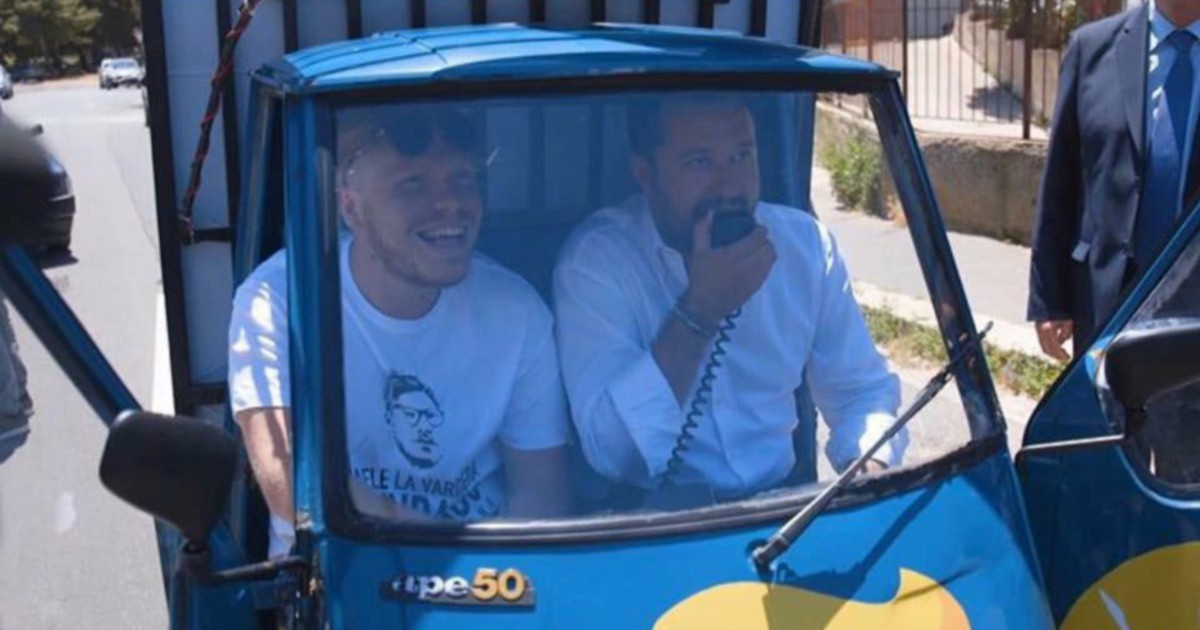 Salvini, la corsa in auto blu per agguantare arancina e voti