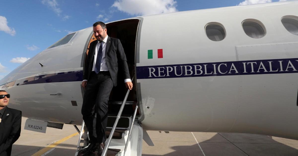"""I 35 voli di Stato """"illegittimi"""" di Salvini Ora tocca ai pm"""