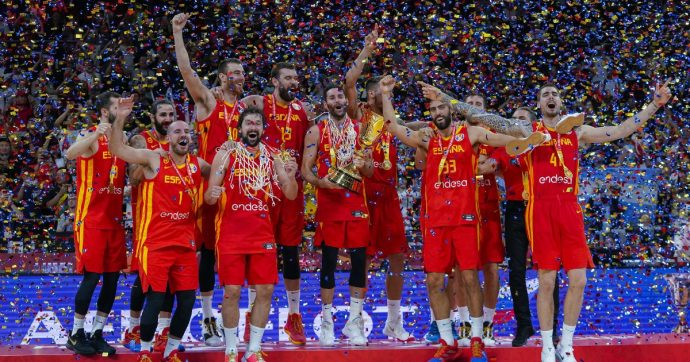 Mondiali basket, la Spagna è campione del mondo: battuta l'Argentina per 95-75. Doppio titolo per il coach Scariolo dopo l'Nba