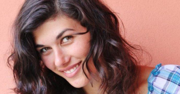 L'attrice Gloria Cuminetti presa a pugni senza motivo per strada a Torino