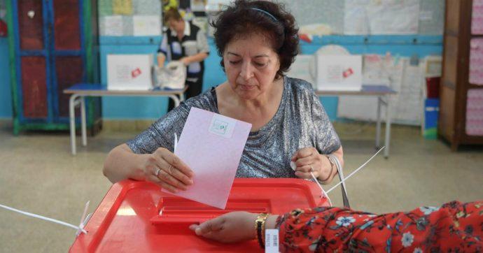 """Presidenziali in Tunisia, al voto per scegliere il successore di Essebsi. Tra i favoriti c'è Karoui, il """"Berlusconi del Nord Africa"""""""