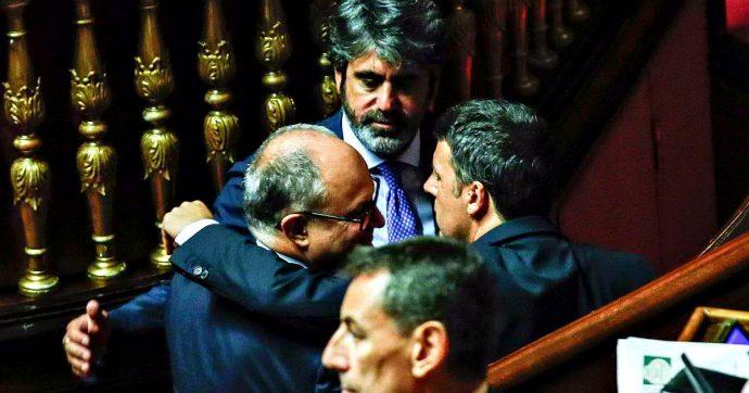 """Renzi ignora gli appelli e dà il via alla scissione dal Pd. Poi telefona a Conte: """"Sostegno convinto al governo"""""""