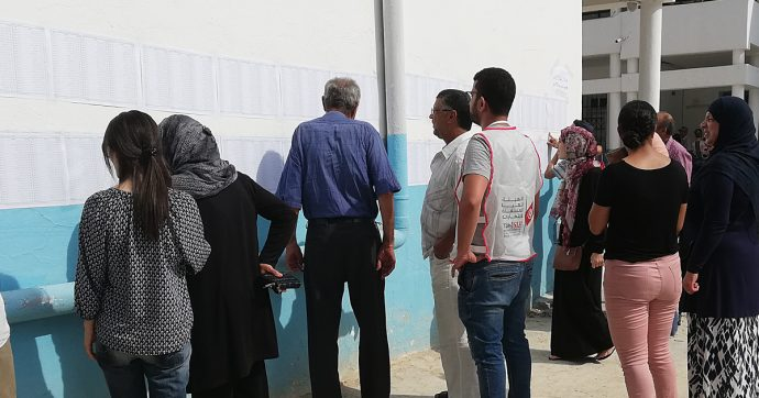 Tunisia, alle presidenziali in testa il candidato della destra Kais Saied. Ma l'affluenza crolla sotto il 50%