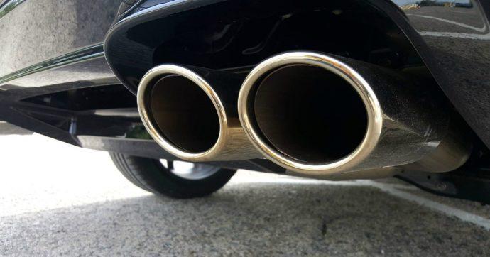 """Emissioni, Altroconsumo: """"I motori diesel moderni inquinano meno dei benzina"""""""
