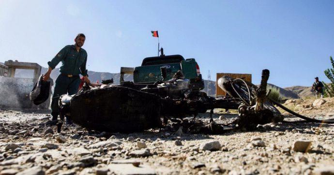 Afghanistan, attacchi kamikaze al comizio del presidente Ghani e a Kabul: 'Almeno 48 morti'. I talebani rivendicano entrambi gli attentati