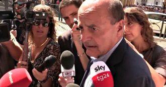 """Renzi, Bersani: """"Faccia quel che vuole, partiti personali scorciatoia per sbattere contro muro. Tornare nel Pd? Non ci sono porte girevoli"""""""