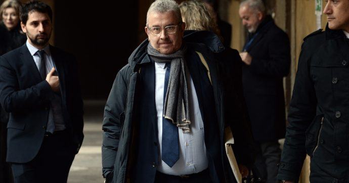 """Prescrizione, il renziano Cucca si astiene su emendamento di Forza Italia e dice: """"Segnale di fiducia. Bonafede convochi tavolo"""""""