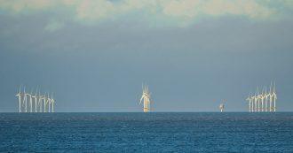Energie rinnovabili, il Regno Unito investe 25 miliardi per i parchi eolici in mare. Il piano per chiudere le centrali nucleari e a carbone