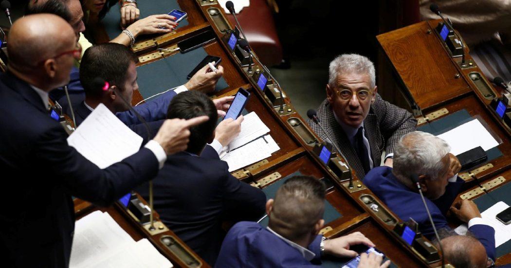 """La maggioranza """"parallela"""" salva l'uomo di Forza Italia"""