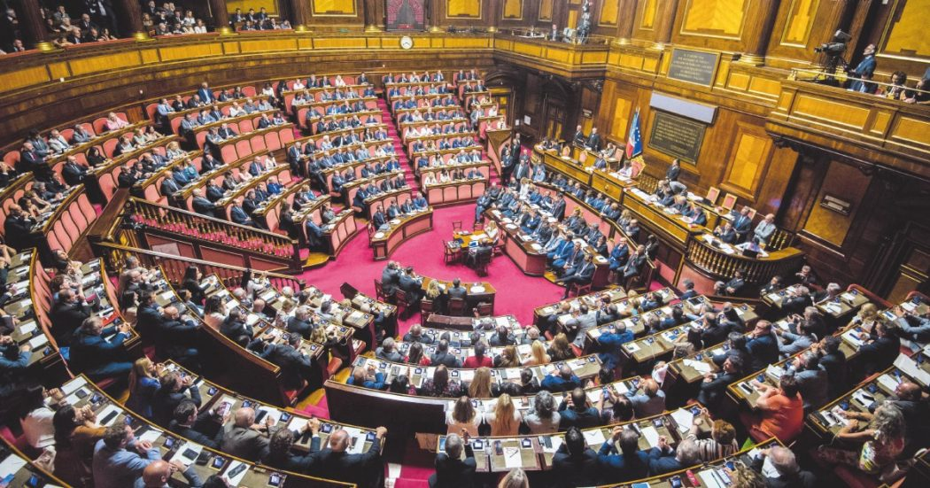 I senatori renziani sono 15: senza di loro niente Conte 2