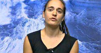 """La7, Carola Rackete in collegamento per non prendere l'aereo: """"Scelte personali importanti. Io ecologista, politica italiana non mi interessa"""""""