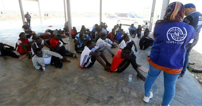 Migranti, sudanese ucciso dopo essere stato riportato in Libia da Guardia costiera: 'Uomini armati hanno sparato dopo tentativo di fuga'